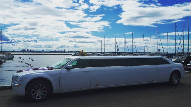 Package Limousine + Yacht